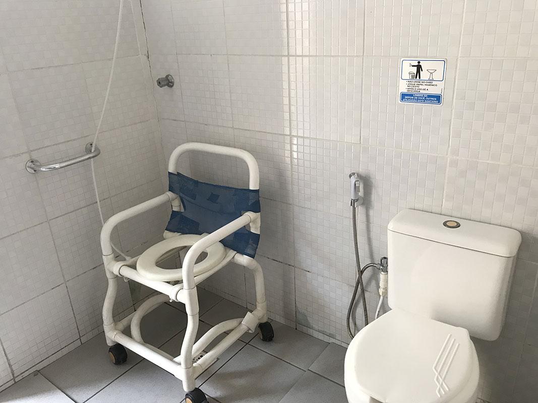 Banheiro Adaptado - Área Piscina